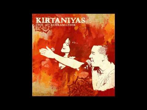 Kirtaniyas - Radhe Syam - Live at Rudra Mandir