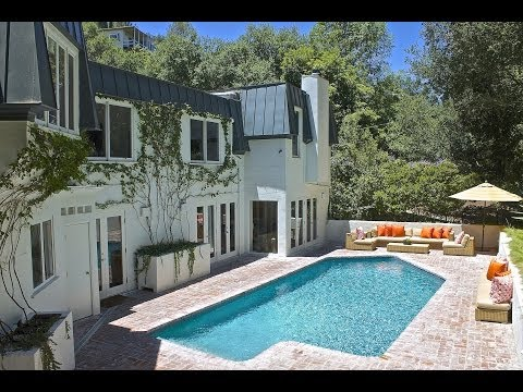 Virtual showing tour of 9755 Oak Pass Road - Beverly Hills Post Office Home For Sale.