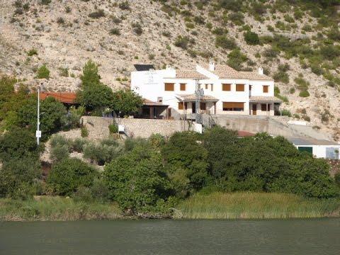 Casas rurales rio jucar i ii iii alcala del jucar youtube - Casa rural rio jucar ...