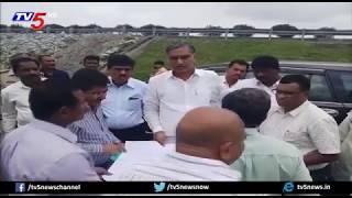 అధికారులకు హరీష్రావు దిశానిర్దేశం | Harish Rao Inspects Railway Line Works At Toopran Mandal | TV5