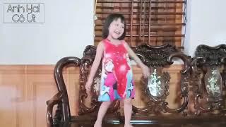 Anh Trai mở TV cho Em Gái tập nhảy nhạc dance và cái kết không ngờ|Anh Cả và Cô Út TV
