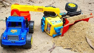 Army Tank Rocket Truck Crane Truck vs Super Dump | Police Car & Helicopter Army Rescues Truck Toys