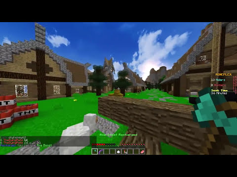 Minecraft - HIDE AND SEEK - Chicken & Pig Wombo Combo!
