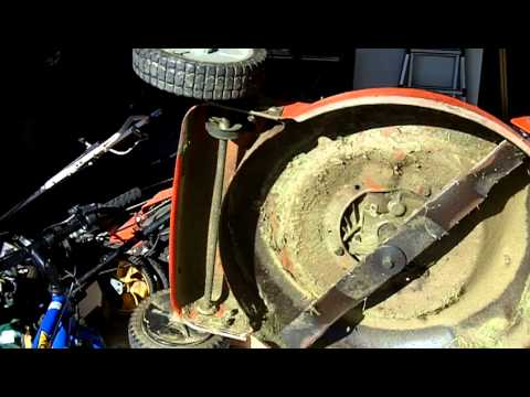 Lawn Mower Repair Scotts Briggs and Stratton 6.0 Self Propelled Problem Part 3 of 4