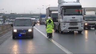 İstanbul'da 'çakarlı araç' rezaleti! Bakanlığı takan yok!