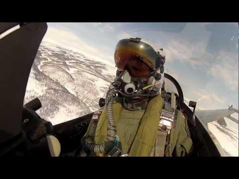 Danske F-16 Piloter Træner Low Level Flyvning