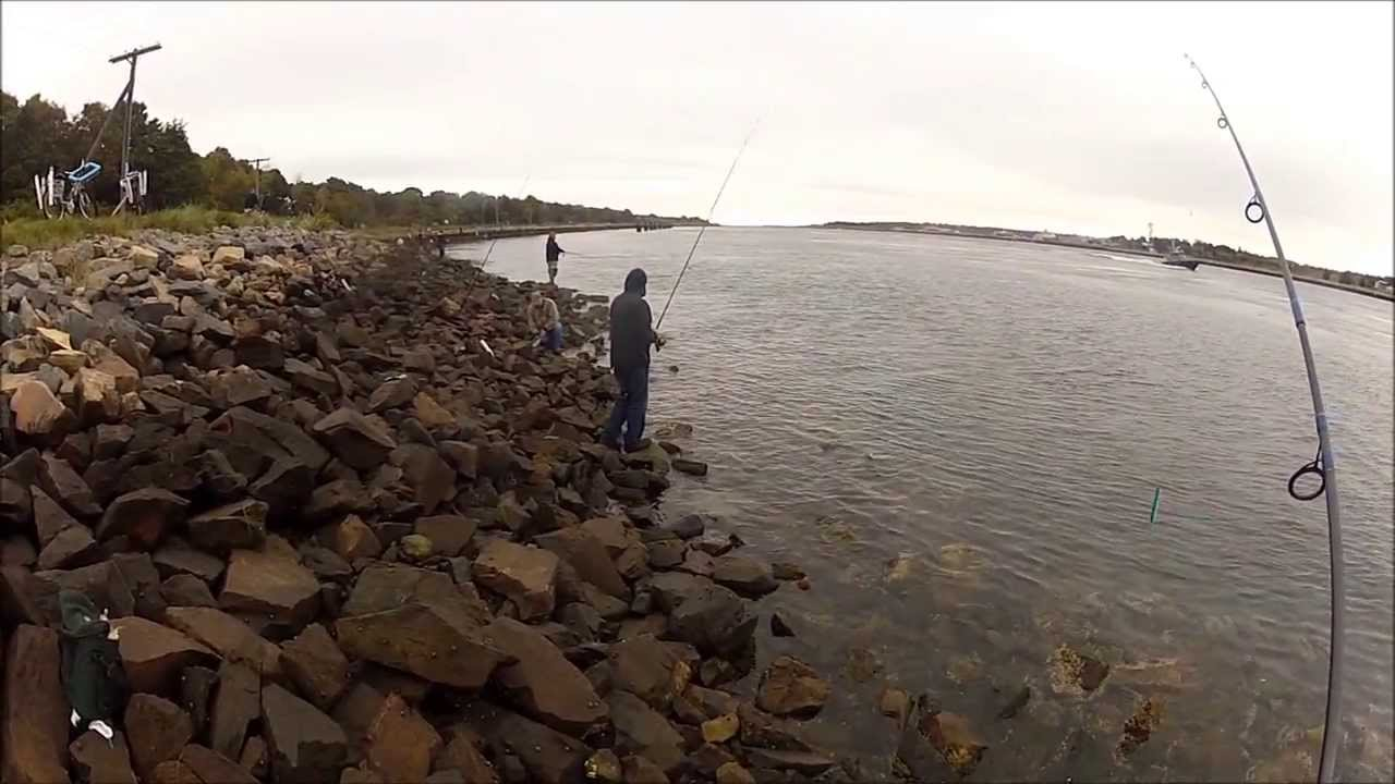 Striper fishing cape cod canal 10 5 13 youtube for Cape cod canal fishing report