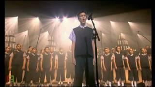 21. Les Choristes - ''Caresse Sur l'Océan''. ( En Concert ).