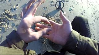 METAL DETECTING A GOLD RING ON WW2 BEACH (26) UK