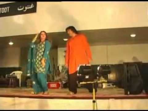YouTube   Nadia Gul Awesome dance in Dubai Stage Show hot By...