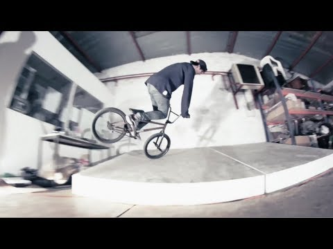 Matthias Dandois emerging BMX style: Street-Flat