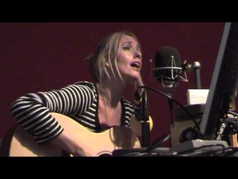 Lisa Redford - 'Dreaming in Crowds' Live on BBC Radio