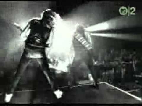 Iron Maiden - Iron Maiden - Fear Of The Dark (Live At Donnington Park)