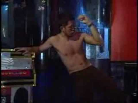Dennis Trillo Macho Dance