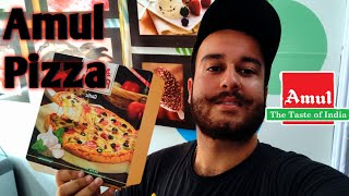 Exploring Amul Ice Cream Parlour || Eating Amul Pizza for the first time || Domino's v/s Amul pizza