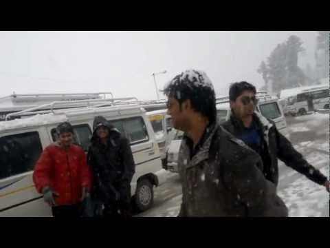 Gulmarg (Kashmir) in Havy Snowfall....Dancing with frnzz