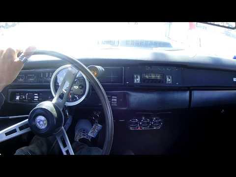 Roadrunner 383 4sp manual (12.8@175.6) VS Dart 440 auto (12.7@171.42)