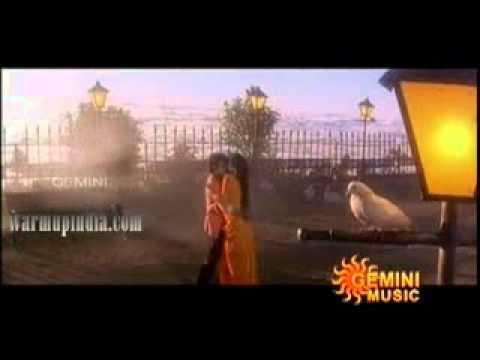 South Indian Tamil Actress Radha Hot Saree Body Enjoyed By Actor video