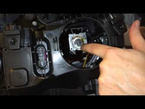 Headlight bulb replacement in a mercedes glk350 youtube for Mercedes benz low beam bulb