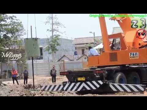 P&H Kobelco Mobile Crane Dropping 4 Ton PDA Test Tube