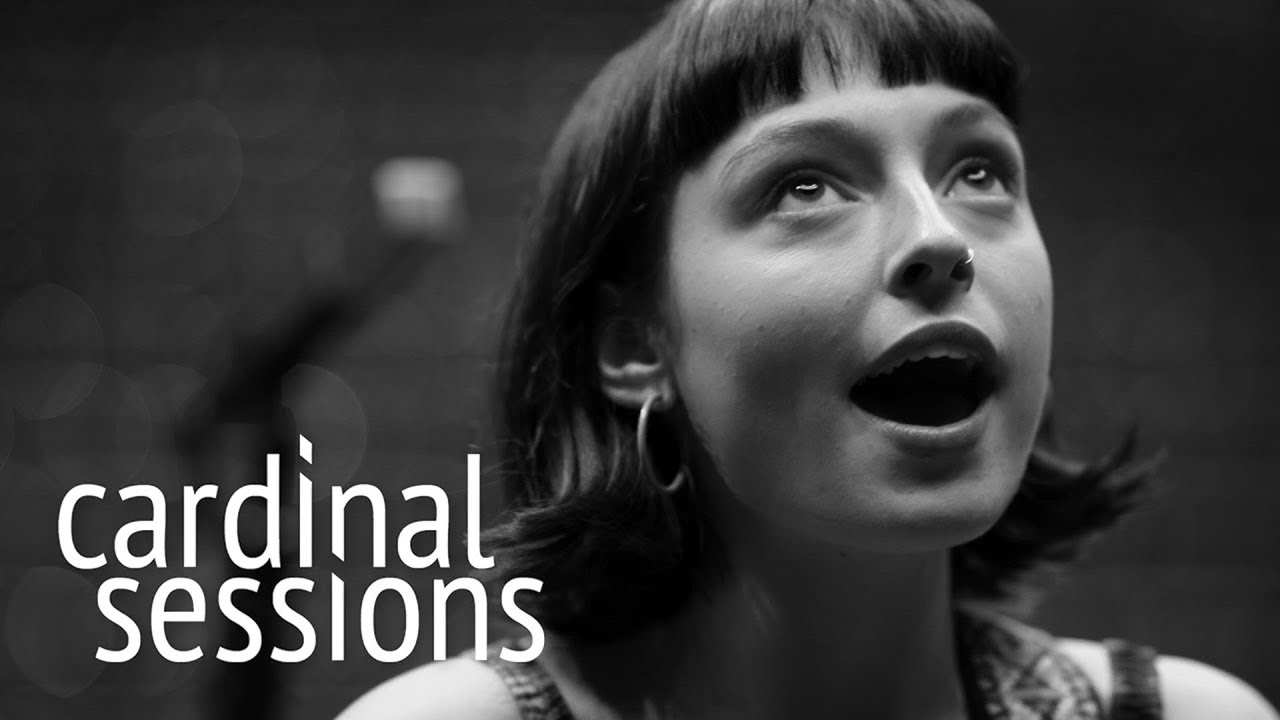 "Stella Donnelly - 「Cardinal Sessions」が""Mean To Me""のライブセッション映像を公開 thm Music info Clip"