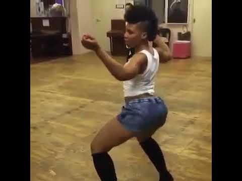 Nonny from Muvhango shaking  her booty OMUNYE PHEZ KOMUNYE ..twerk dance moves! thumbnail