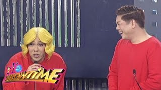It's Showtime: Vice and MC have the same outfit