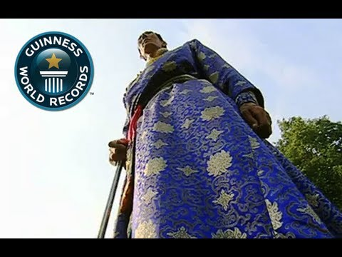 Tallest Man In The World Xi Shun - Guinness World Record