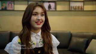 Somi Dutch Interview & Speaking Dutch! (ENG SUB)