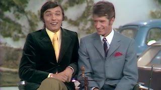 Karel Gott & Rudi Carrell - Bleibt mit den Beinen auf Erden (1969)