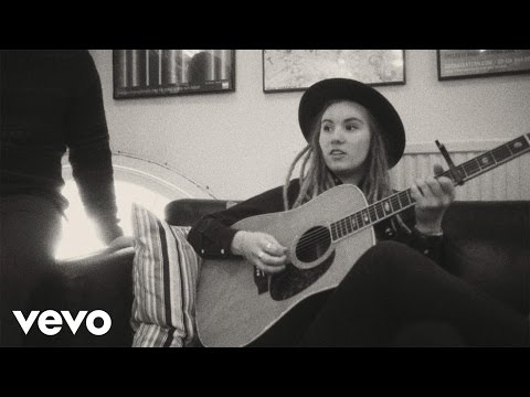 Moa Lignell - Were Still Young