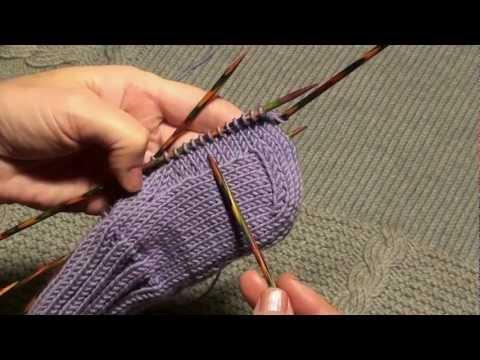 Как вязать чешуйки крючком шапку