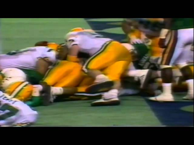 Oregon FB Latin Berry runs for a short touchdown vs. Hawaii 12-03-1988
