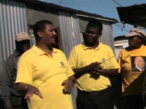 Cde Marius speaks to the community of Makhaza....wmv