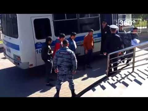 Задержанных околоТЦ «Москва» мигрантов привезли вЛюблинский суд
