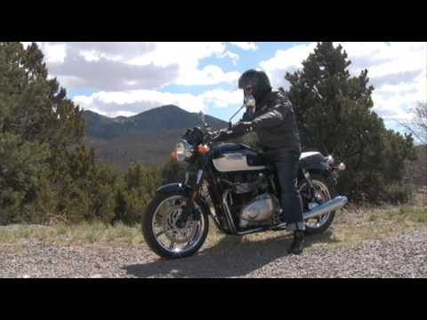 2009 Triumph Bonneville SE - Test Ride Video