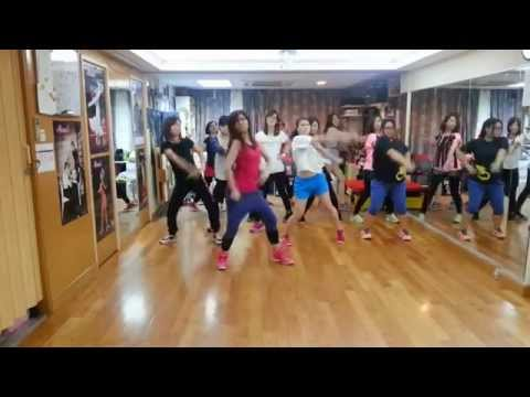 K-POP Dance (begginers) | TTS (SNSD) - Holler (lesson1) | Siuting's class