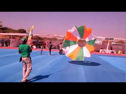 Ring - Spinner Kite - Somnath Kite Festival 2013 - India - Paavan Solanki