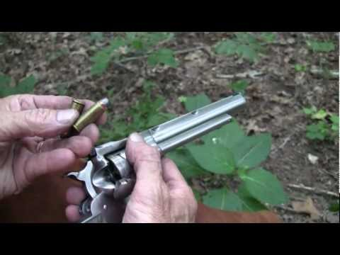 Ruger Super BlackHawk Hunter .44 Magnum  ( Close-Up)