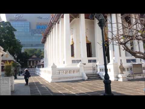 Bangkok・Wat Pathum Wanaram バンコクのワット パトゥム ワナラーム・象気功