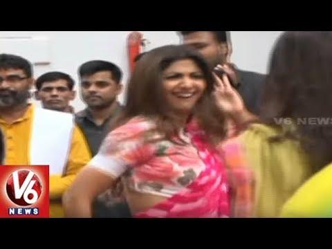 Shilpa Shetty Crazy Dance At Ganesh Immersion | V6 News