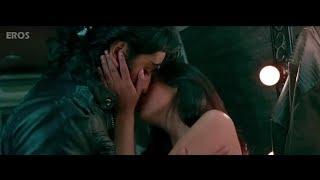 Ranbir Kapoor super hot kiss