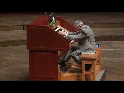 TOCATTA & FUGUE in D MINOR - Maestro Hector Olivera