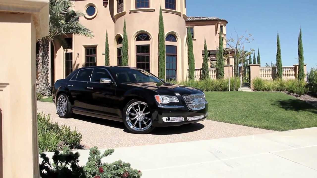 2012 Chrysler 300 On Some Nice 22 Quot Lexani Wheels Youtube