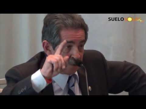 Miguel Ángel Revilla defiende la energía solar fotovoltaica.