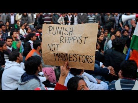 India abre una investigación por la violación colectiva de una joven ante la presión popular