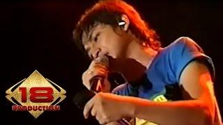 download lagu Ungu Demi Waktu Purwokerto 17 Desember 2006 gratis