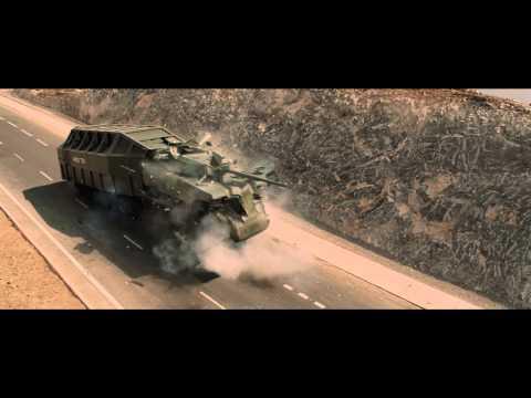 《玩命關頭6》巨大坦克摧枯拉朽