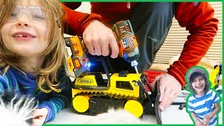 Dozer Construction Truck Repair - Kids Playing With Toy Trucks