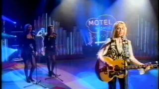 Watch Carlene Carter Sweet Meant To Be video